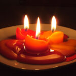Candles_in_the_dark