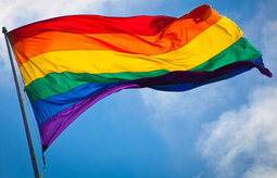 Rainbow_flag_breeze